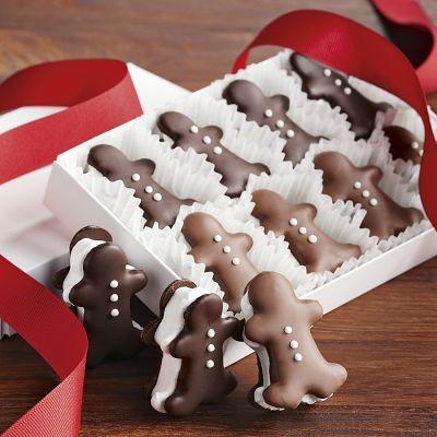 Gingerbread Men Chocolate Cream Cookies | #christmas #xmas #holiday #food #desserts