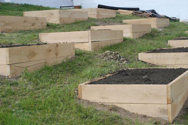 How Build Raised Garden Hill