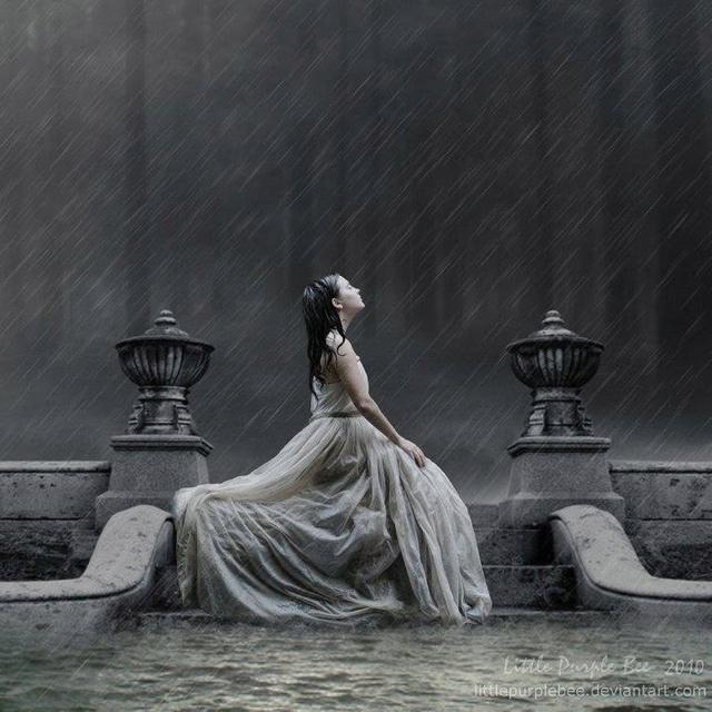 (18/01/13) Le encantaba la lluvia. Mojarse le recordaba esa historia algo salvaje que vivió en otra vida. #cuentuitos @ainhoa_mallo