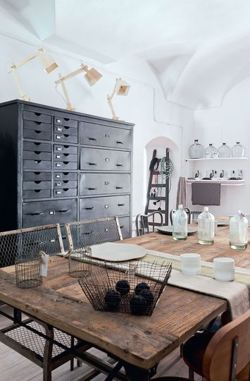 gorgeous blend of farmhouse & industrial. {my favourite mix}