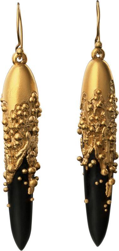 Electro Bildas Jet Örhängen med 18k guld granulering av Jacqueline Cullen