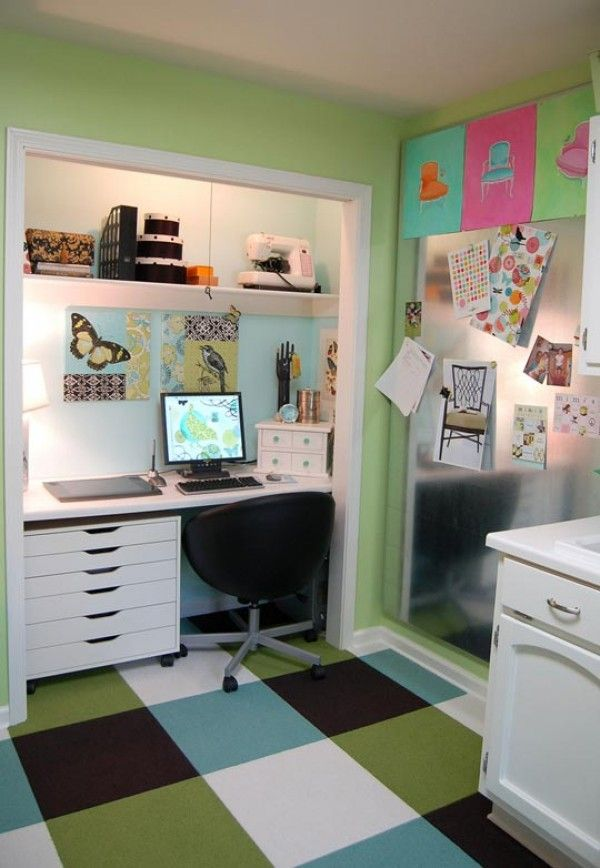 Love the decluttered space reflected in this home office.  home-office_closet