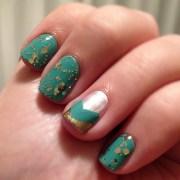 teal & gold nails. nail inspiration