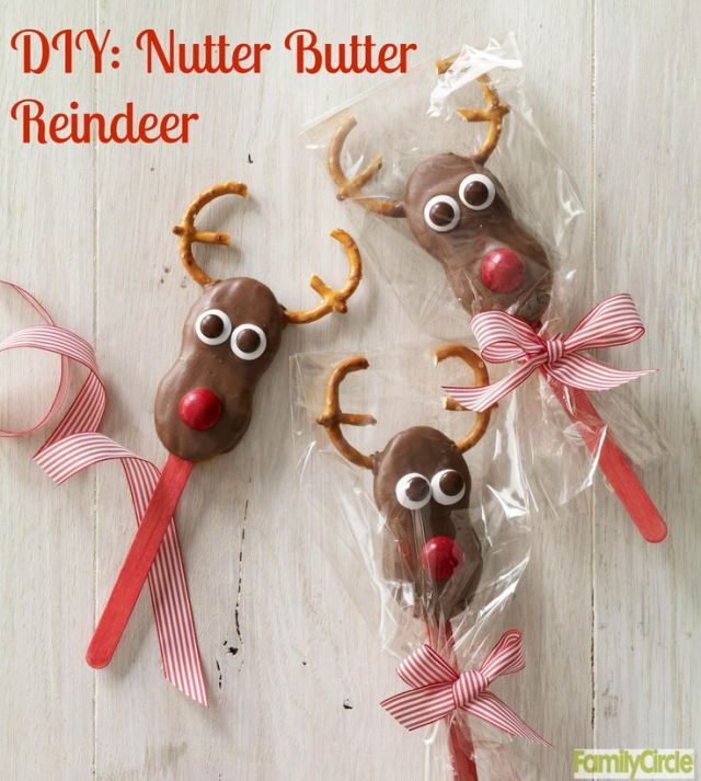 Nutter Butter Reindeer Cookie Pops #christmas #holidays #cookies #diy