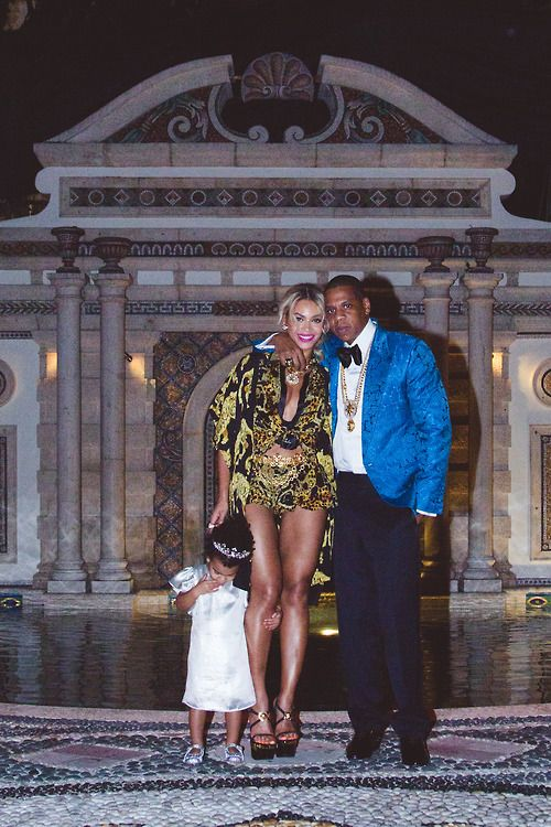 WIN two Beyoncé & Jay Z 'On The Run' tickets in LA + Return Airfares + Accom + $1000 Spending Money + SMT's Entire Product Range: www.skinnymetea.com.au/pages/ontherun x