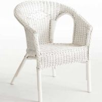 White wicker chair | My Style | Pinterest