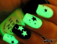 Glow In The Dark Nail Art | Acrylic Nail Designs | Pinterest