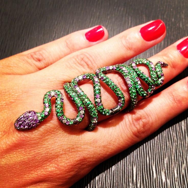 Snake ring smycken set med gröna granater av Andre Marcha