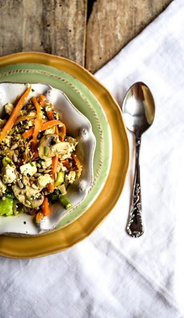 Scrambled Tofu with mushrooms and vegetables Tofu revuelto con setas y verduras