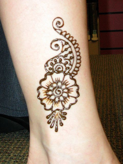 20 Simple Henna Tattoos For Ankles Ideas And Designs