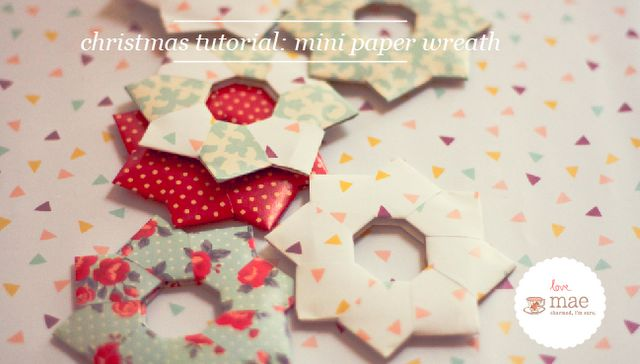 mini Christmas paper wreath