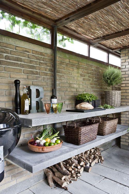 simple, stylish outdoor kitchen