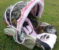 Pink Camo baby car seat how cute!!!
