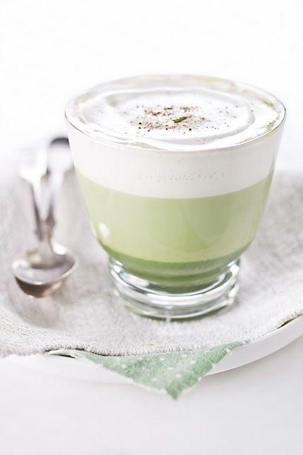Matcha Green Tea Latte ingredients: 1 teaspoon of matcha green tea 3 tablespoons hot water 1-2 teaspoons of honey 150 ml of skim milk (or soymilk) pinch of nutmeg