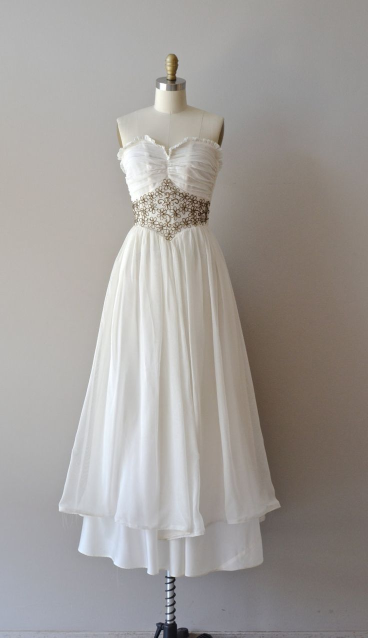 Wedding Attire 1940s