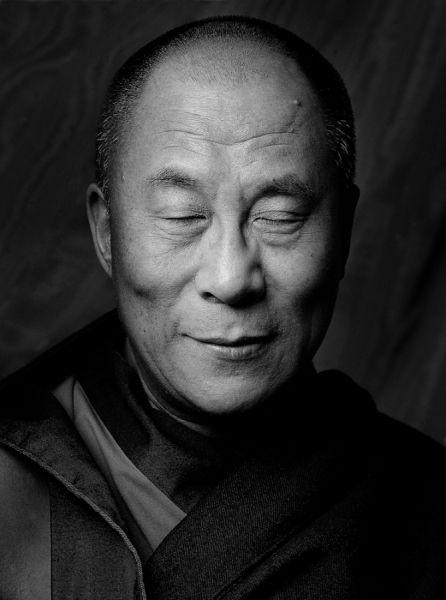 """""""Non c'è bisogno di templi, senza bisogno di filosofie complicate La mia mente e il mio cuore sono le mie tempie,. Mia filosofia è la gentilezza.""""  Dalai Lama"""