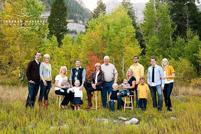What Wear Family Portraits Outside