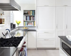 Designing Decorating A Black And White Kitchen Homedit
