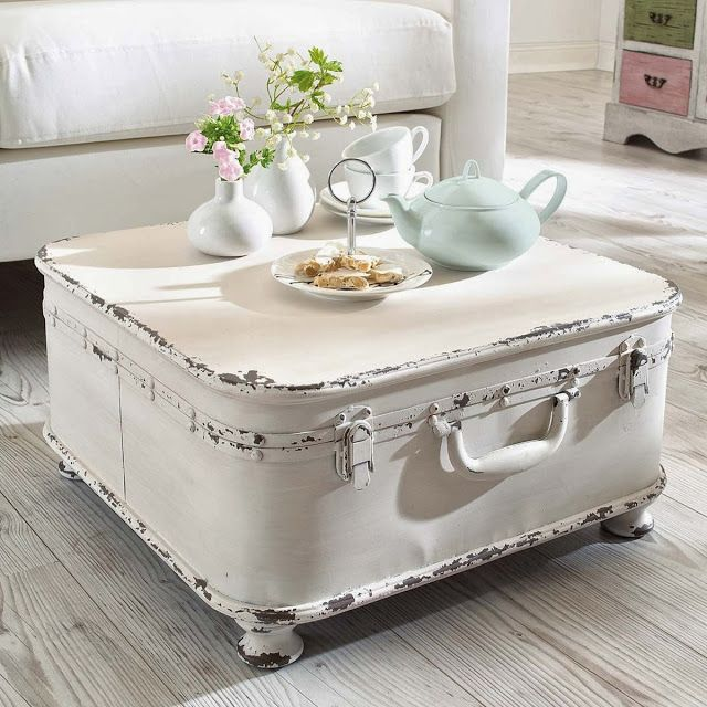 Suitcase Coffee Table - this is awesome!