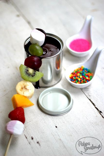 fruit skewers with marshmallows and chocolate fondue