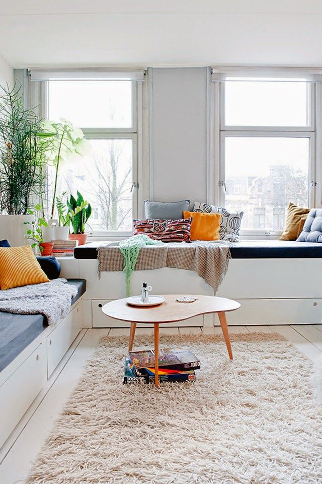 A fab Amsterdam apartment of Brechtje Troost. Inside out.
