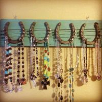 Horseshoe necklace holder | DIY & Crafts | Pinterest