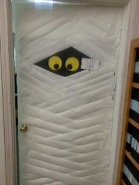 Halloween door mummy | Halloween bulletin board | Pinterest