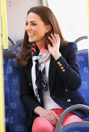 Oh gosh she could not be more fab! Love that scarf and blazer and the coral/navy combo. Amazing!
