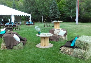 How To Decorate Outdoor Graduation Party