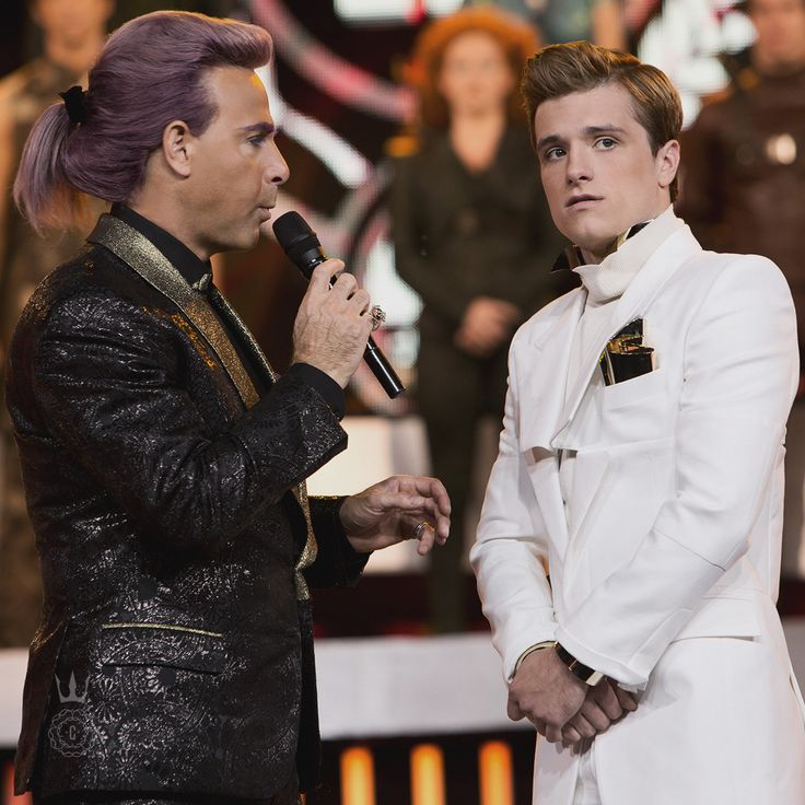 NEW PICS: Behind The Scenes of the Caesar Flickerman Interviews