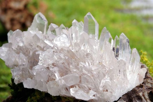 Feng Shui Tips for Crystal Clusters in Your Home