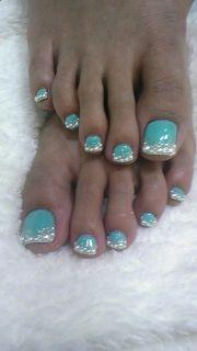 blue toe nails beauty