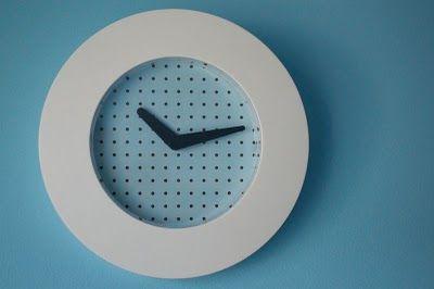 KVARTA clock art