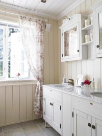 cottage bathroom, love the open space. | *BatHinG RooM ...