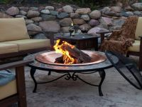 Free standing outdoor fire pit