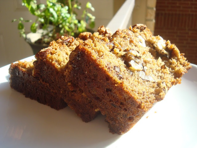 win award winning banana bread with nuts and streusel from radical