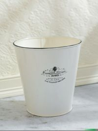 Bathroom waste basket | Vintage Bathroom Decor | Pinterest