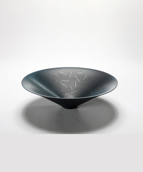 Roger Bennett - I got a gift of one of these bowls some years back... beautiful to behold