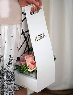 This is a beautifully clever product to safely  carry flowers, especially when having to drive. Where can we get this for regular household use when going to the florist who does not have this packaging?