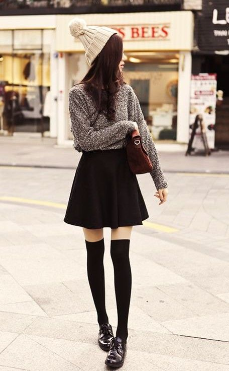 Classic black skirt outfit idea for spring 2014, loose sweater with little flared black skirt
