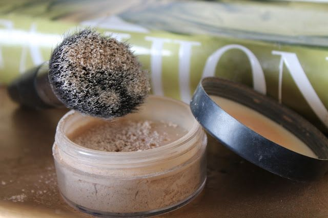 DIY Natural Face Powder - For my light skin I chose the cinnamon over the cocoa. Oh my gosh..this is totally perfect! No more L'Oreal for me! Wish I'd known all this DIY stuff years ago, maybe I'd have gone on more vacations with all the money I saved!