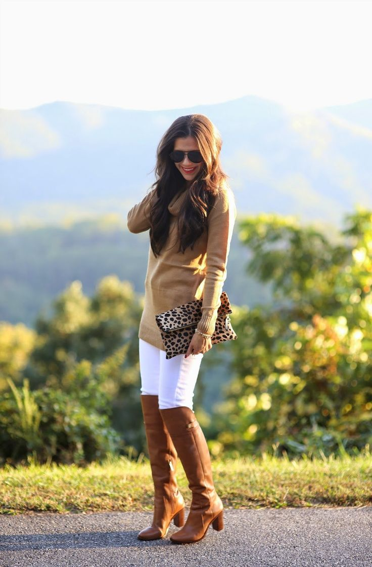 Knee high boots with white jeans and matching sweater / Fall winter outfit / Casual outfit