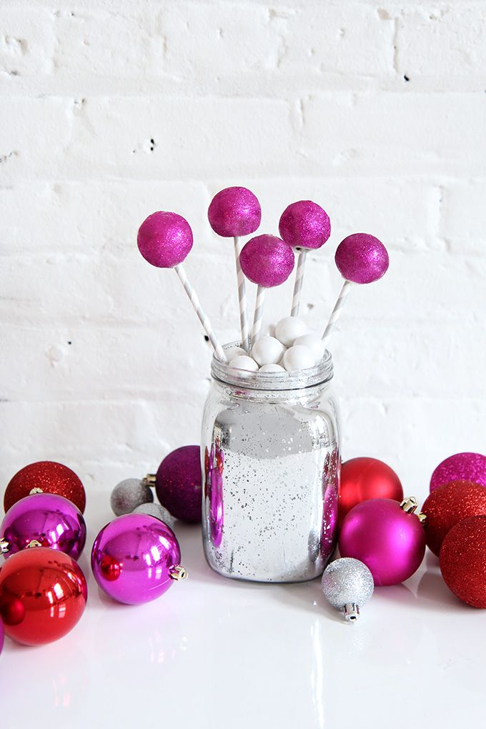 Holiday DIY - Ball Drop Cake Pops!