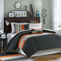 Love this bedding for a guys dorm room!