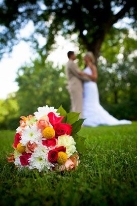 Cute wedding picture with bridal bouquet--if I have a pretty bouquet (working on it) @Staci Flick Flick Cook