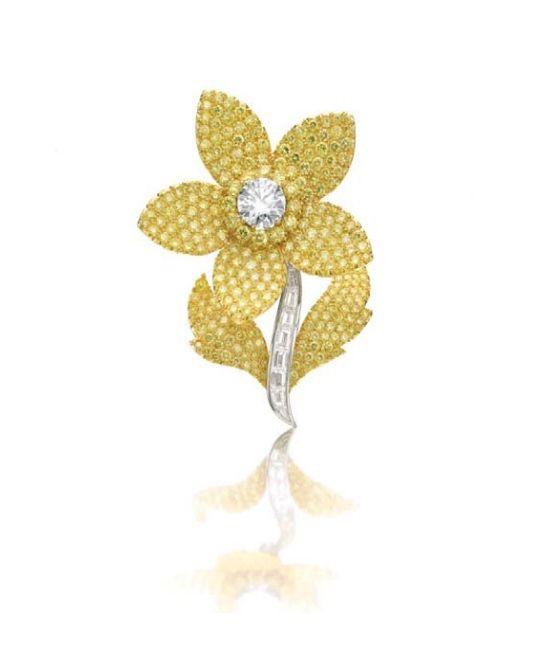 Graff. A very fine diamond brooch of floral design