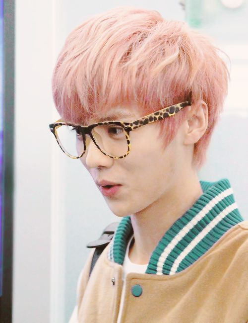 short hair: check big glasses: check cotton candy pink: ____