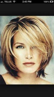 collar bone length hairstyles women