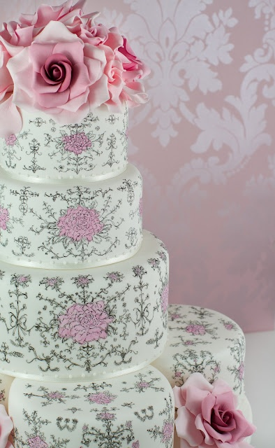 Beautiful & delicate hand painted wedding cake