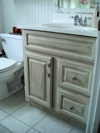Update old bathroom vanity | DIY | Pinterest